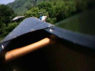 カヌー船首