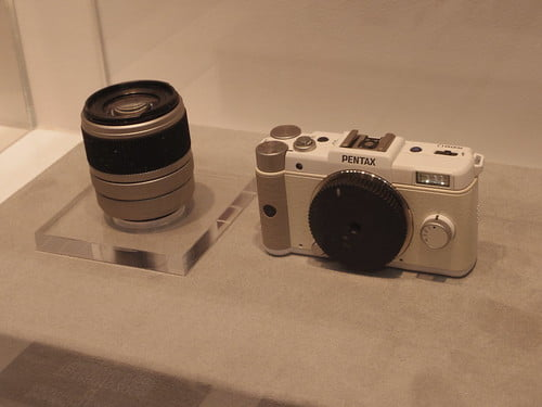 PENTAX Q TELEPHOTO ZOOM and Mount Cap Lens